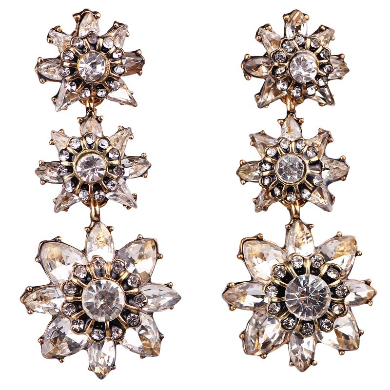 White Glass Rhinestone Flower Earring Women's Fashion Earrings New arrival brand sweet metal with gems stud for women girls E923(China)