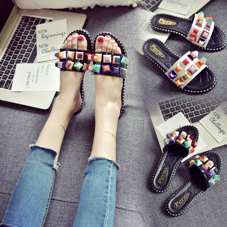 2017 summer flat heel drag female rivet sandals slip-resistant open toe slippers <br>