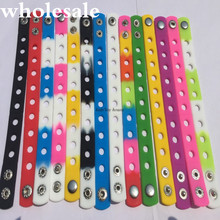 10PCS Multi color Silicone Bracelet Wristbands 18CM With Shoe Croc Buckle PVC Shoe Accessories Shoe charms Kids gift(China)