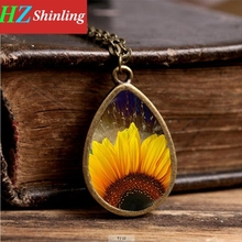 2017 New Yellow Sunflower Necklace Sunflowers Art Pendant Jewelry Plant Photo Pendants Glass Necklaces Gifts Girl(China)