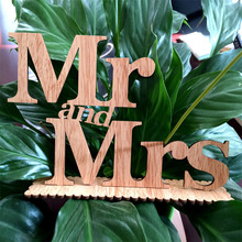 "Wooden Standing Words Ligatures ""Mr and Mrs"" Wood Letters Photography Props Wedding Sign Party Table Decorations Supplies"