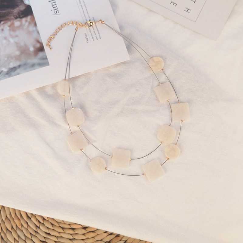 Classic Fashion Acrylic Necklaces for Women With Colorful Resin Geometric Pendants Metal Long Chains Necklaces Party New Jewelry (3)