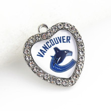 10Pcs Crystal Heart Vancouver Canucks NHL Team dangle charms Hockey sports hanging charm DIY bracelet necklace jewelry(China)