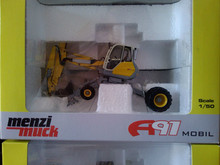 R-0181 1:50 Menzi Muck A91 Mobile Excavatortoy(China)