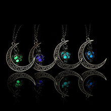 Chic Luminous Glow In the Dark Necklace Fashion Sailor Moon Pendant Necklace Heart Necklace for Women Girl Jewelry