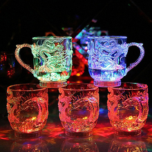 2016 New Creative Dragon LED Inductive Rainbow Party Flashing Light Whisky Mug Beer Cup 169WG07(China)