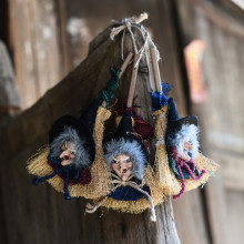 Halloween Decoration Supplies Witches Broom Hanging Decor Kindergarten Hanging Ornaments Party Supplies Witches/Centerpieces(China)