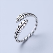 Retro High-quality Silver plated Thai Silver plated Female Personality Feathers Arrow Open Ring jewelry 4008(China)