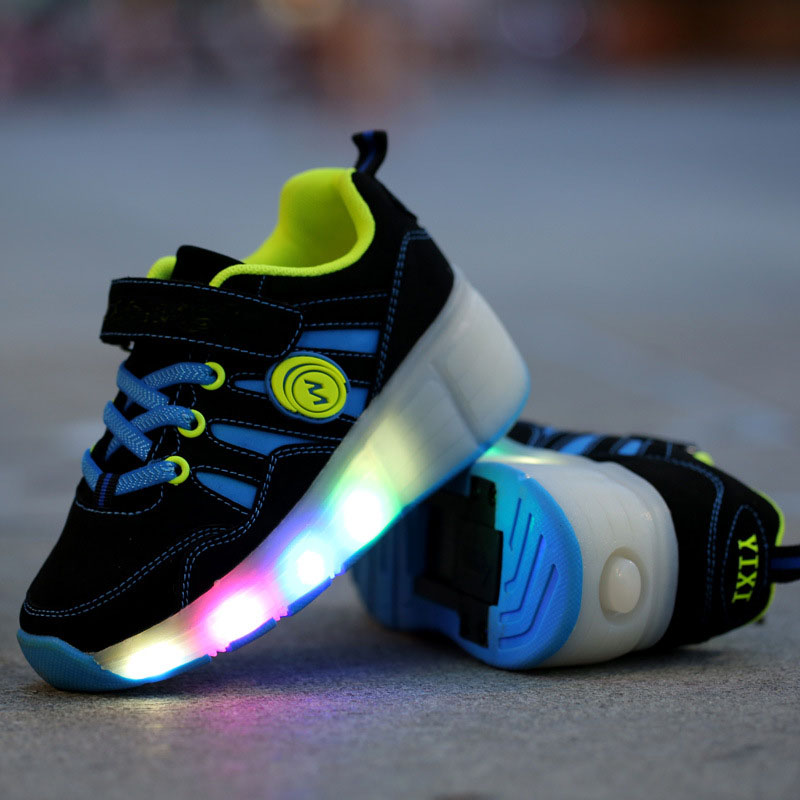 Wheels LED Light Up Shoes Flashing Sneakers for Kids Boys Girls PU Upper TPR Soles spring autumn Casual Children Roller Shoes <br>