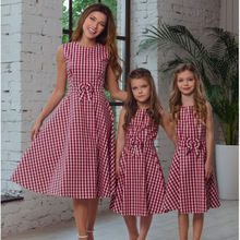 Mom And Kids Red Plaid Dress Bowknot Family Matching Outfits Baby Girls Pleated Dressses A Line Sundress 2018 Summer Clothing(China)
