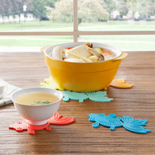 1PCS Creative Goldfish Waterproof Silicone Anti-Slip Heat Insulation Table Mats Cup Mat Cup Coaster Kitchen Accessories EA(China)