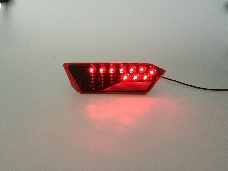 Prlaris 1000 tail light 02