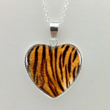 2015 New Glass Picture Pendant Tiger Skin Heart Pendant Tiger Necklace Tiger Pendant Silver Heart Necklace