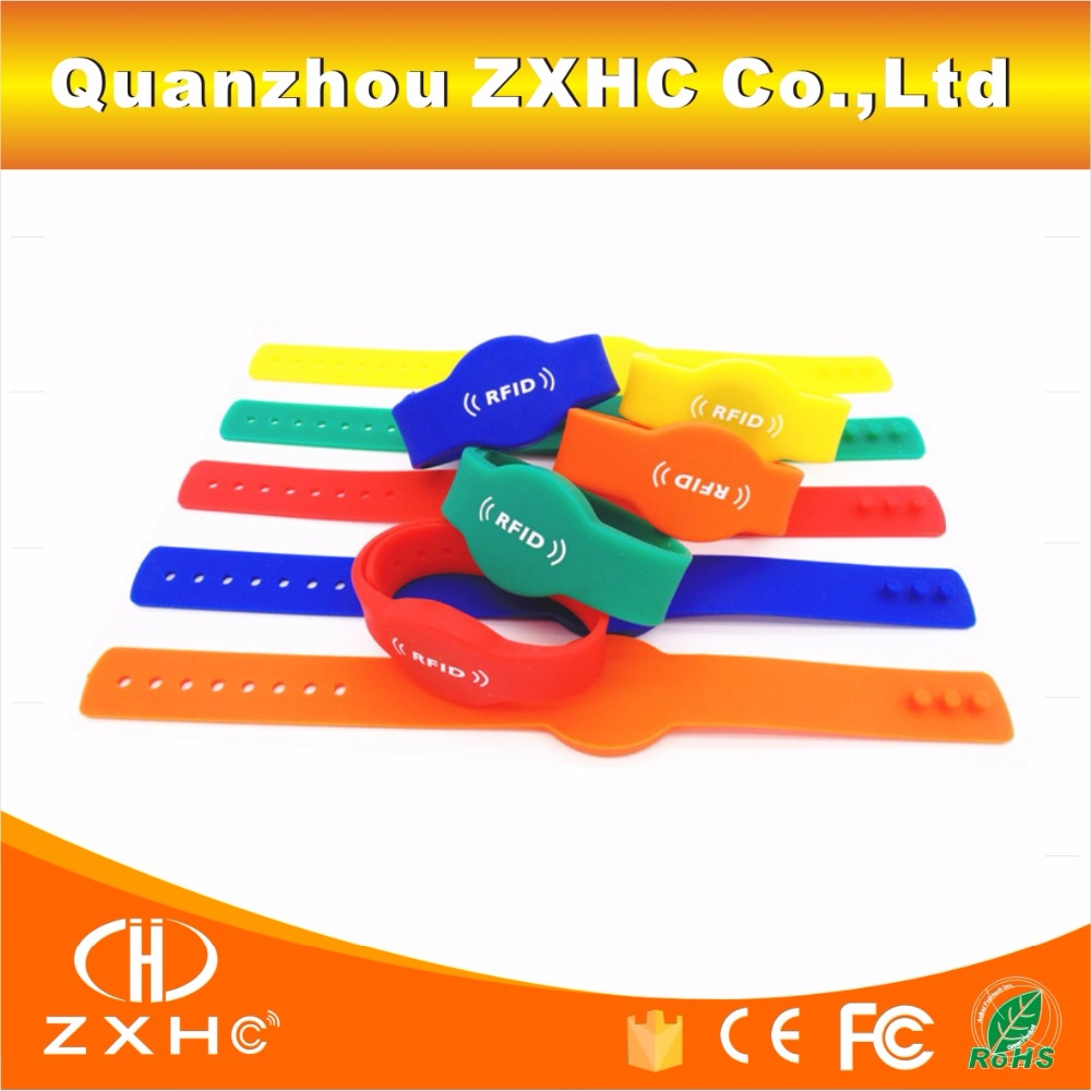 (10PCS/LOT) TK4100(EM4100) RFID 125khz Read-only Wristband Tag Water-proof Adjustable Silicone Bracelet Access Control Card<br><br>Aliexpress