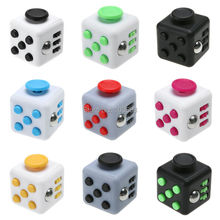 2.2cm Squeeze Fun Stress Reliever Mini Fidget Cube Keychain Reliever Vinyl Desk Toy Click Glide Flip Spin Breathe Roll Gifts