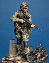 1/35    Scale Modern American soldiers search for advance     Historical WWII Figure Resin  Kit Free Shipping