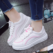 New Women Large base Sports shoes Comfortable flat outdoor Walking shoes  new style athletic shoes for Woman tourist shoes