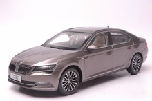 1:18 Diecast Model for Skoda Superb 2015 Brown Alloy Toy Car Collection Gifts(China)