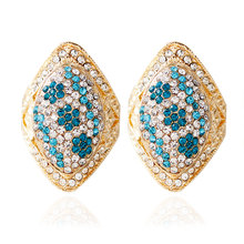 Gold Color Fashion New Arrival 2016 Zinc Alloy Different Colors of Crystal Earrings Stud for Young Lady
