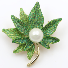 High Quality New Arrival Green / Yellow / Assorted Colors Maple Leaf Enameled and Imitation Pearl Brooches for Women