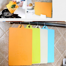 New Creative Curved Plastic Cutting Board Kitchen Wear Soft Bendable Antibacterial Can Be Hung Classified Chopping Board(China)