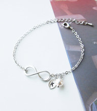 Min 1PC Famous Infinity Bracelet Bridesmaid Gifts Initial Friendship BFF Bracelet Wedding Gifts Maid of Honor Gift Flower Girl