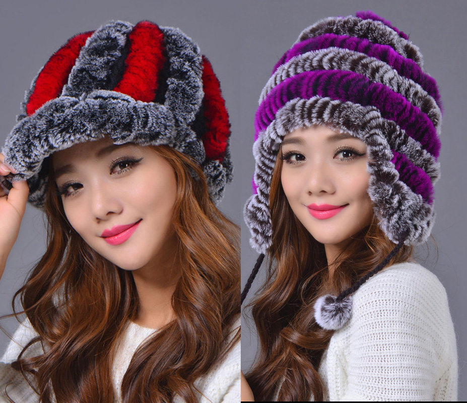 photo of girls on snow with hats № 18321