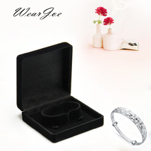 Black Velvet Jewelry Bracelet Box 9*9*4cm Circle Clasp Carrying Stand Holder Bracelet Bangle Display Packaging Box Storage Case