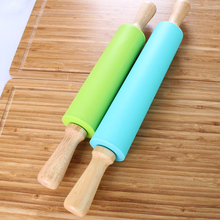 Non-Stick Silicone Rolling Pins Wooden Handle Dumplings Noodles Pizza Roller Dough Pastry Baking Tools Color Random 38*5cm(China)