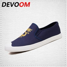 DEVOOM Mens Canvas Shoes Fashinon China Style Walking Shoe Comfortable Breathable Flats Mens Casual Boat Shoes BlueBlack zapatos(China)