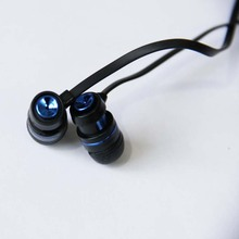 3.5mm Noise Cancelling Reflective Fiber Cloth Line Metal Sport Headset Earbuds Earphone for Cellphone MP3 MP4
