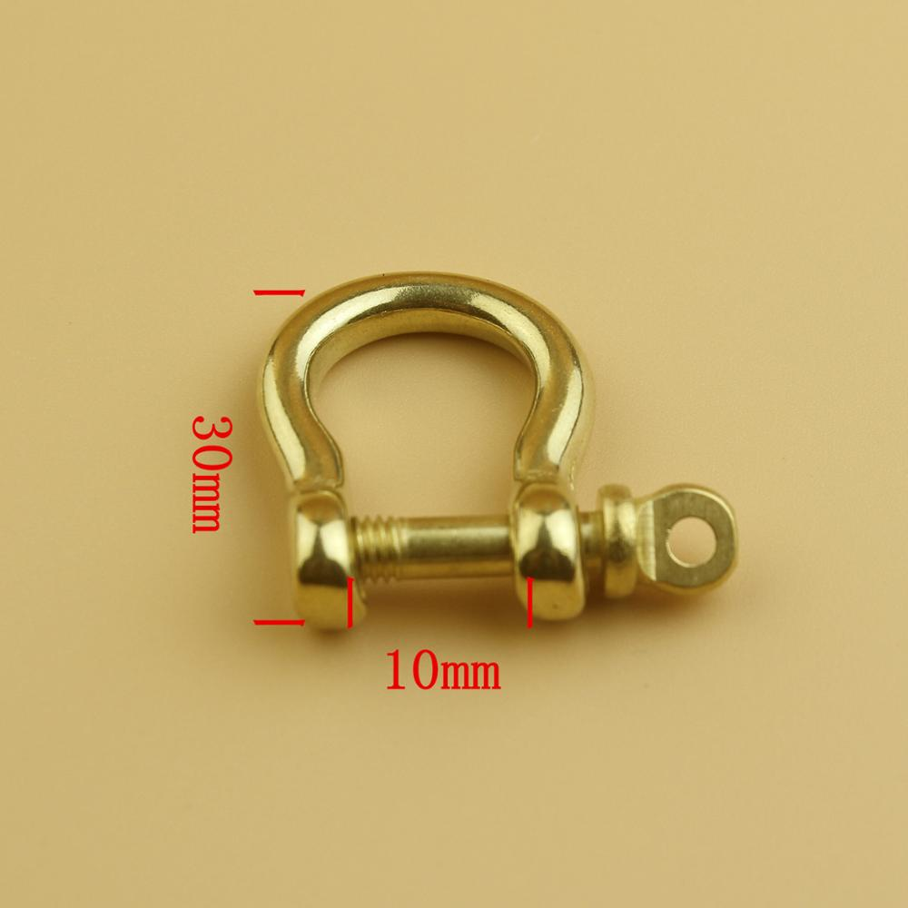Copper horseshoe buckle