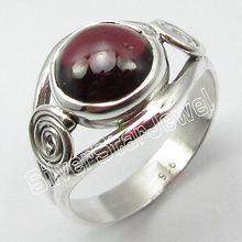 92.5%  Silver Natural GARNET Fancy Ring Size 6.75 ! Brand New