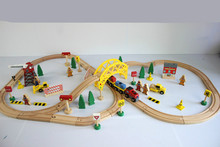 Thomas and Friends--70PCS Train Set ELC Train Construction Site Beech Wooden Railway Track EDWONE Thomas and Brio Gifts Kids