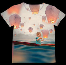 Track Ship+Vintage Retro Good Feeling T-shirt Top Tee Little Girl on Boat at Sea Around with Kongming Sky Lantern 0737(Hong Kong)