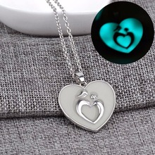 2016 Fashion Blue/Green 1pcs Heart shape luminescent luminous necklace pendant necklace Mother's Day Free shipping