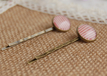 Latest Fashion Red and White Striped Glass Cabochon Hairpins for Girls Women Simple Copper Hair Clips Handmade Small Clips fq014(China)