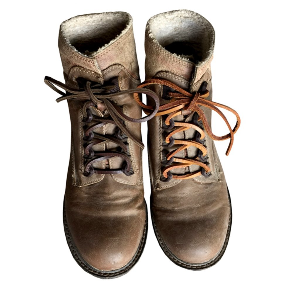 """NEW ONE PAIR RAWHIDE LEATHER BROWN COLORED 18/"""" SHOE//BOOT LACES."""
