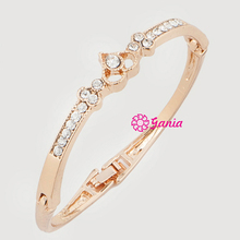 Fashion Hinged Bangles Rhinestone Crystal Heart Shaped Bangle Bracelet for Women Birthday Gift Jewelry