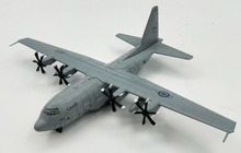 1:200 Canadian Air Force C-130J Hercules transport aircraft Model plane Wing alloy Collection model(China)