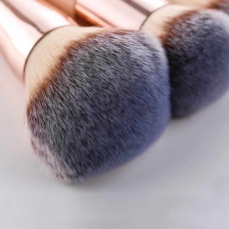 Kabuki Foundation Makeup Brush 18