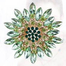 Beautiful Crystal Daisy Flower Fashion Brooch Pins for Women in 8 Assorted Colors