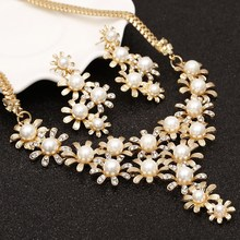 Gold Color Flowers Simulated Pearl Jewelry Sets Full Crystals Stud Earrings Choker Pendants & Necklaces Fine Jewelry Set