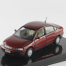Red 1:43 Volkswagen German VW PASSAT B5 Die Cast Model Car Metal Model Festival Gifts Vehicle