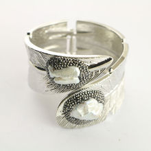 Trendy  4Pcs Cuff Bangle , Pave Rhinestone Pearl Bangles for Women Charm Jewelry