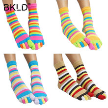 2017 New Fashion Women Funny Stripe Toe Socks Cotton Five Fingers Socks Casual Soft Socks With Toes Colorful Socks 5 color 35-39(China)