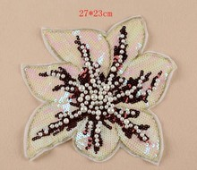 1pcs Sequins flower patch iron on patches for clothing Sew-on patch embroidered handbag blouse garment Appliques DIY accessories