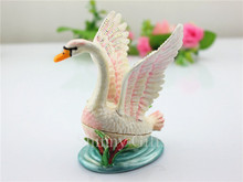 Swans Enameled Jewelry Trinket Box Crystal Swan Trinket Vintage Swans Gift Crafts Jewelry Box Wedding Favor(China)