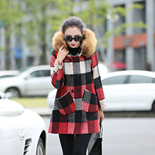 2017 New Fasion Winter Woolen Jacket Warm Slim Double Breasted Big Pockets Plaid Wool Coat  Female Outwears with Fur/without Fur