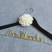 Free shipping- Personalized Wedding Hanger, Custom Color Wire Hanger, Bride Bridesmaid Dress Hanger W/Flower, Bridal Shower Gift(China)